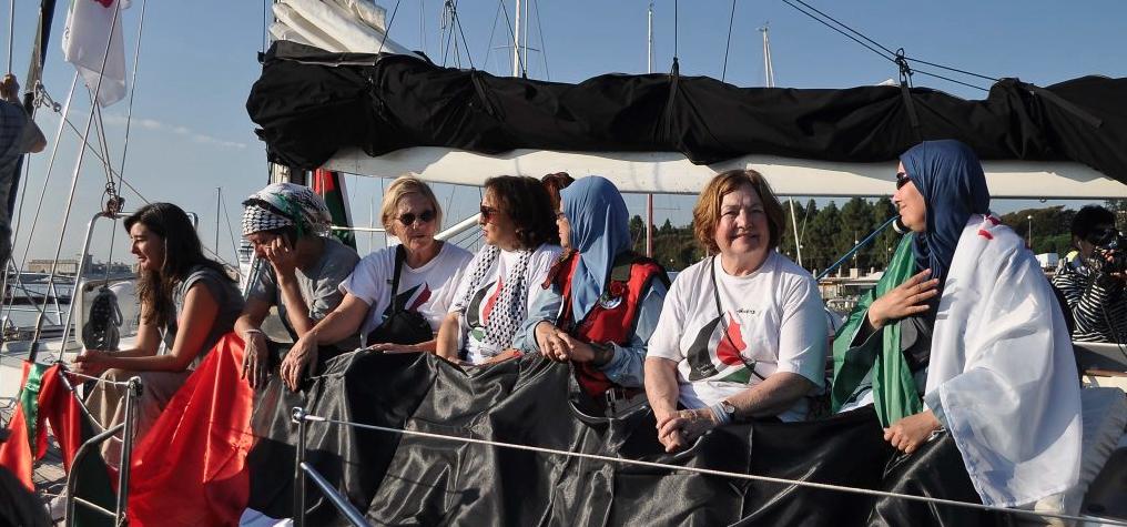 women-on-boat-28-9-16